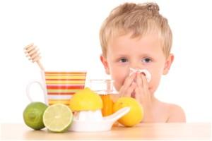 Как и чем лечить насморк у ребенка народными средствами в домашних условиях