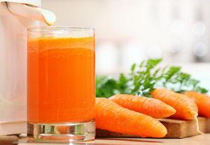 Народное средство для лечения простуды - морковный сок