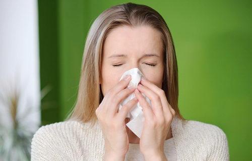 Воспаление слизистой оболочки носа: признаки и основные причины