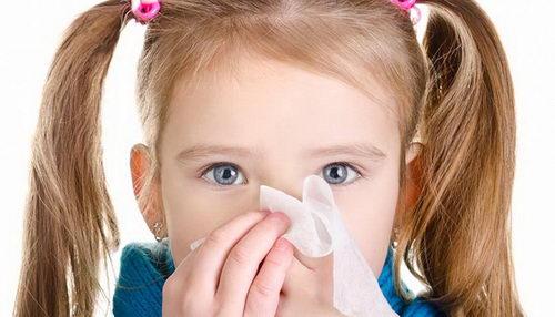 Как избавиться от насморка у ребенка в домашних условиях?
