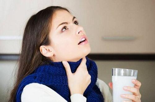 Домашние полоскания от боли в горле