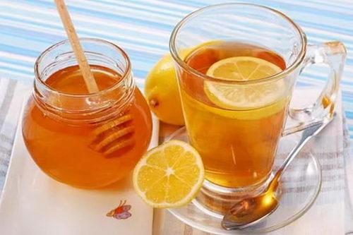 Лимонный чай с медом