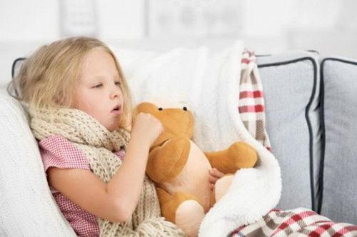 Какие использовать самодельные антибиотики от кашля у ребенка?
